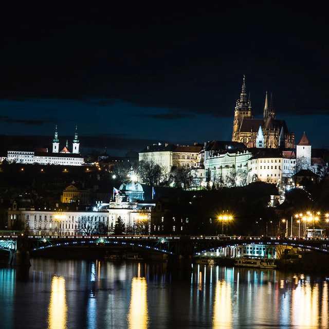 Praha_noc_NIK1181-4x